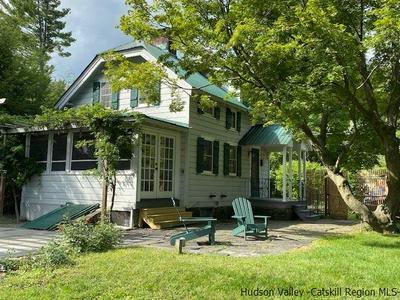 15 ORCHARD LN, Woodstock, NY 12498 - Photo 1