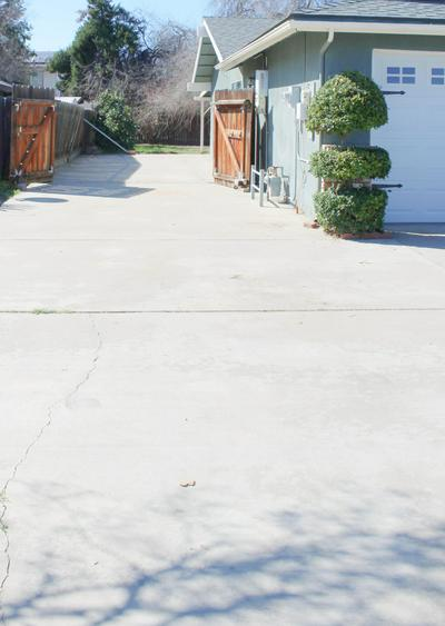 181 N ARGYLE ST, Porterville, CA 93257 - Photo 2