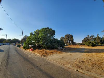 168 E OAKLAND ST, Farmersville, CA 93223 - Photo 1