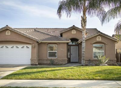 1230 N VELIE CT, Visalia, CA 93292 - Photo 2