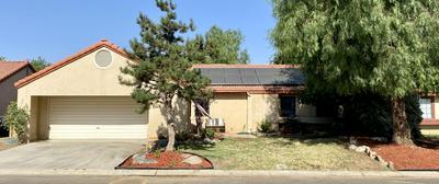 910 LONE OAK DR, Porterville, CA 93257 - Photo 1