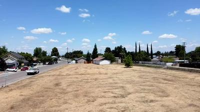 2336 ORANGE AVE, Selma, CA 93662 - Photo 1