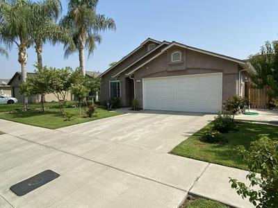 230 YELLOWSTONE ST, Tulare, CA 93274 - Photo 1