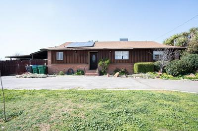 111 N FREMONT DR, Lindsay, CA 93247 - Photo 2