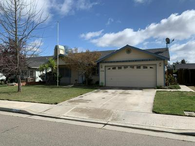 1756 AVENUE B, Kingsburg, CA 93631 - Photo 1