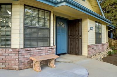 800 W VASSAR AVE, Visalia, CA 93277 - Photo 2