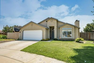 1900 BERING CT, Tulare, CA 93274 - Photo 2