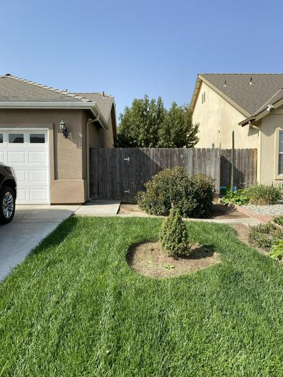 644 RICHMOND CT, Exeter, CA 93221 - Photo 2