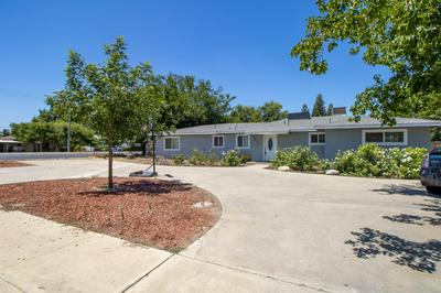 2902 E DURAN AVE, Visalia, CA 93292 - Photo 2