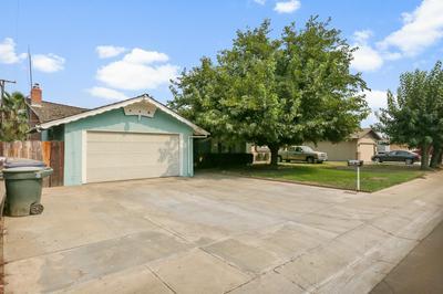 2828 S LINWOOD ST, Visalia, CA 93277 - Photo 2