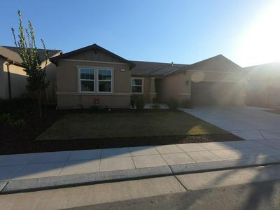 3355 SPRING SAILS AVE, Tulare, CA 93274 - Photo 2
