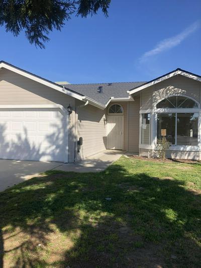 706 W GARRETT AVE, Farmersville, CA 93223 - Photo 2