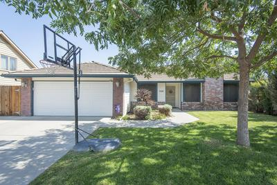528 N TAMARACK ST, Visalia, CA 93291 - Photo 2
