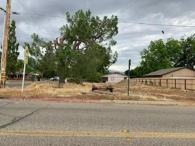 396 N CYPRESS ST, Woodlake, CA 93286 - Photo 1