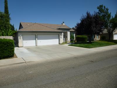 1252 LOMBARDI ST, Porterville, CA 93257 - Photo 2