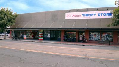 1608 11TH ST, Reedley, CA 93654 - Photo 2