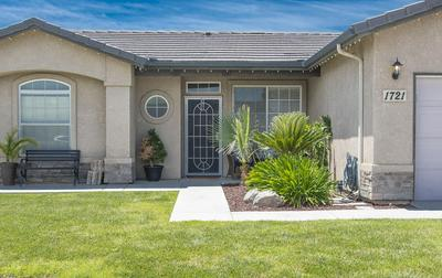 1721 COTTON CT, Tulare, CA 93274 - Photo 2