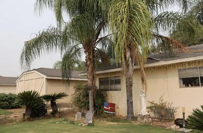 608 E LINDEN AVE, Reedley, CA 93654 - Photo 2