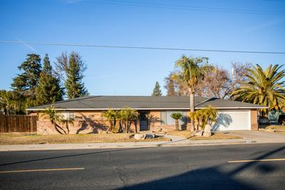 295 E NORTH WAY, Dinuba, CA 93618 - Photo 1