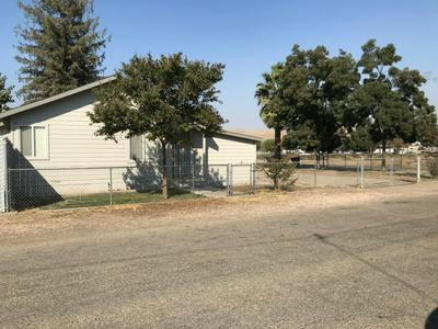 138 E GRAND AVE, Porterville, CA 93257 - Photo 1