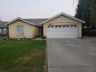 627 TEDDY ST, Farmersville, CA 93223 - Photo 1
