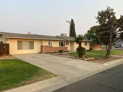 1016 N COBB ST, Porterville, CA 93257 - Photo 2