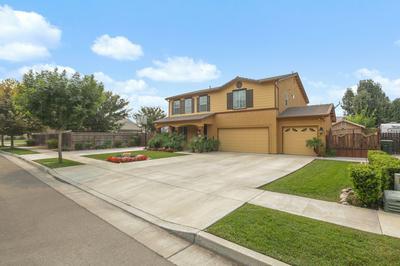 4015 S CRENSHAW ST, Visalia, CA 93277 - Photo 2