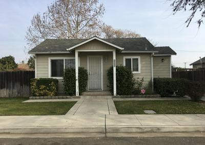 1040 CYRIER AVE, Reedley, CA 93654 - Photo 1
