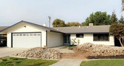 2219 S WOODLAND ST, Visalia, CA 93277 - Photo 1