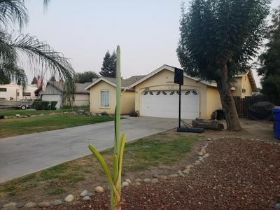 627 TEDDY ST, Farmersville, CA 93223 - Photo 2