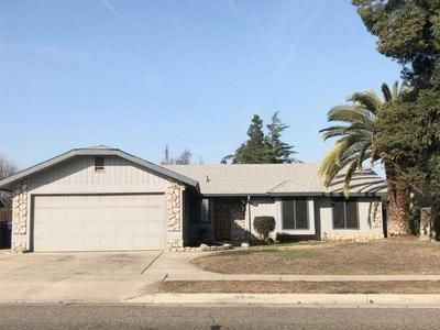 1642 E SANDALWOOD AVE, Tulare, CA 93274 - Photo 1