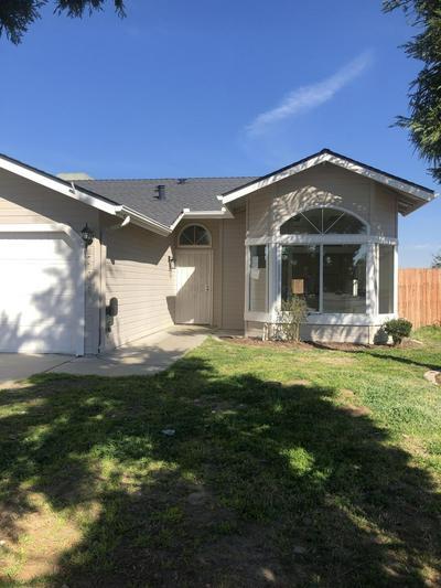 706 W GARRETT AVE, Farmersville, CA 93223 - Photo 1