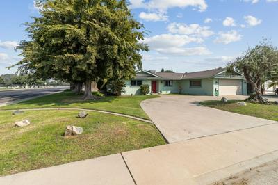 878 W HERBERT AVE, Reedley, CA 93654 - Photo 2