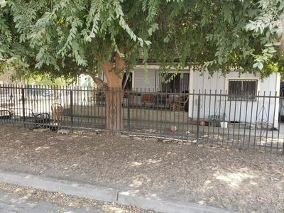 403 S D ST, Tulare, CA 93274 - Photo 2