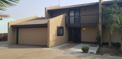 1737 E CROSS AVE, Tulare, CA 93274 - Photo 2