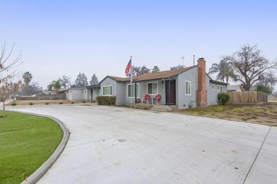 549 N BEATRICE DR, Tulare, CA 93274 - Photo 2
