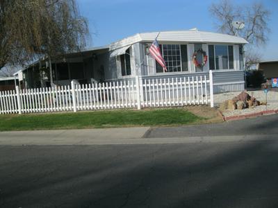 2400 W MIDVALLEY AVE SPC C4, Visalia, CA 93277 - Photo 2