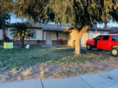 2102 E BARDSLEY AVE, Tulare, CA 93274 - Photo 2