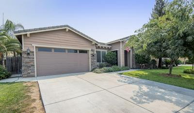 2748 N CROWE ST, Visalia, CA 93291 - Photo 2