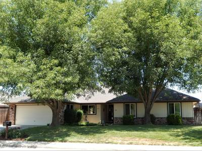 3310 W SUNNYSIDE AVE, Visalia, CA 93277 - Photo 1