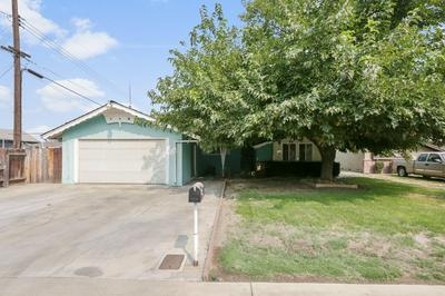 2828 S LINWOOD ST, Visalia, CA 93277 - Photo 1