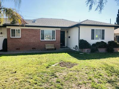 2429 W HARVARD AVE, Visalia, CA 93277 - Photo 1