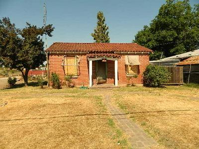 1001 N DIVISADERO ST, Visalia, CA 93291 - Photo 2