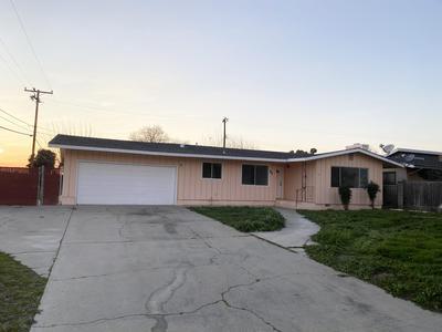 601 N PEPPER ST, Woodlake, CA 93286 - Photo 1