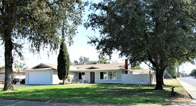 413 E OAKRIDGE CT, Visalia, CA 93291 - Photo 2