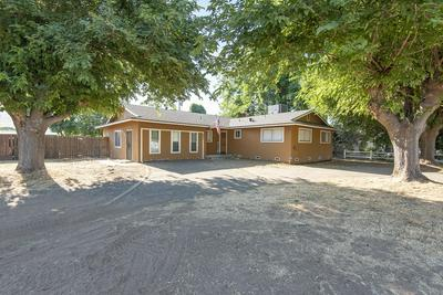 892 PAGE AVE, Lindsay, CA 93247 - Photo 1
