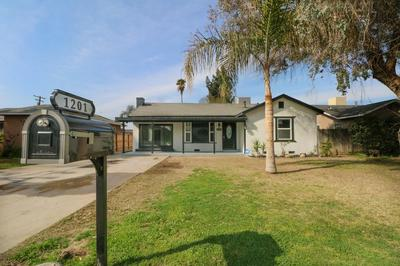 1201 N GIDDINGS ST, VISALIA, CA 93291 - Photo 1