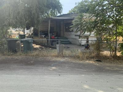 565 S WALNUT ST, Porterville, CA 93257 - Photo 1
