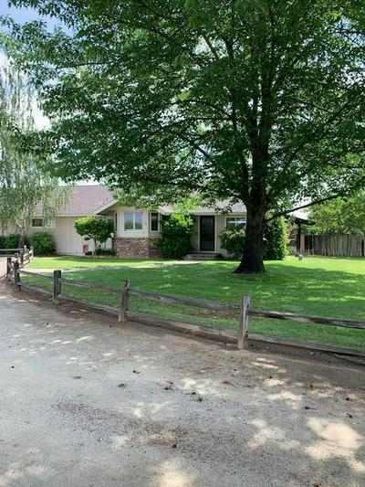 15268 AVENUE 332, Ivanhoe, CA 93235 - Photo 1