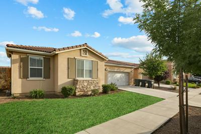 2739 W CONNELLY AVE, Visalia, CA 93291 - Photo 2